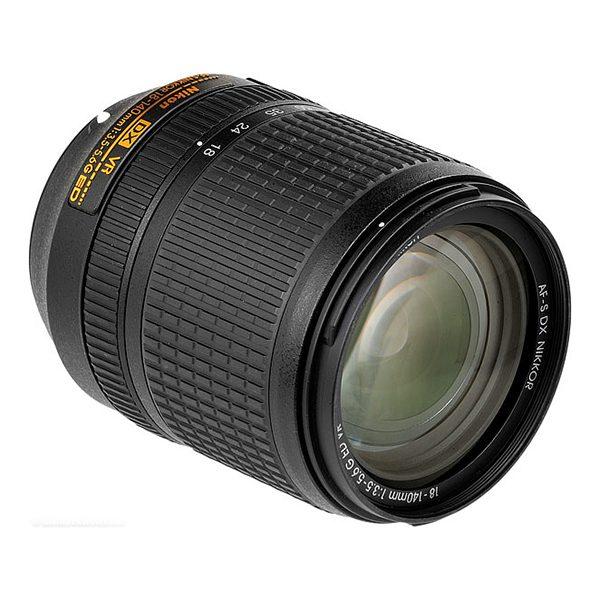Nikon AF-S DX NIKKOR 18-140mm f3.5-5.6G ED VR (2)