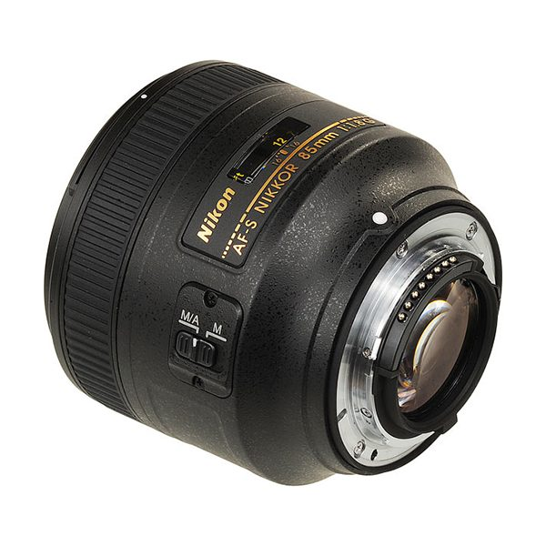 Nikon AF-S NIKKOR 85mm f1.8G (3)